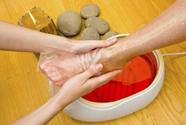 How to do paraffin wax therapy at home